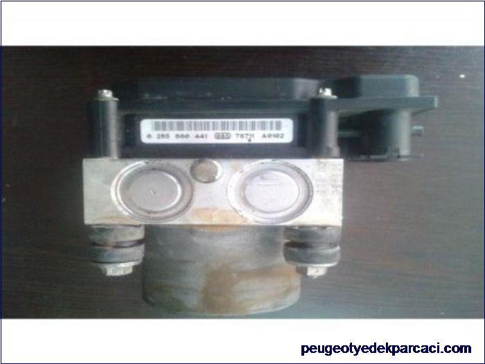Peugeot 107 Abs Beyni 0265800441