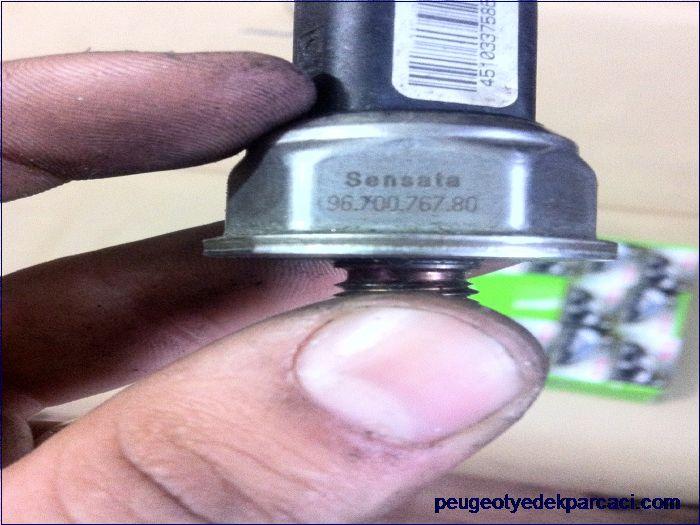 Peugeot 206 enjektör rampasý müþürü 9670076780