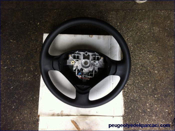 Peugeot 207 direksiyon simidi
