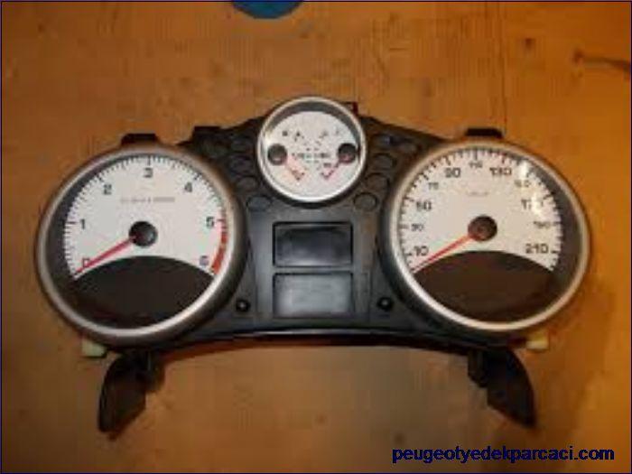 Peugeot 207 gösterge saati 9660880580