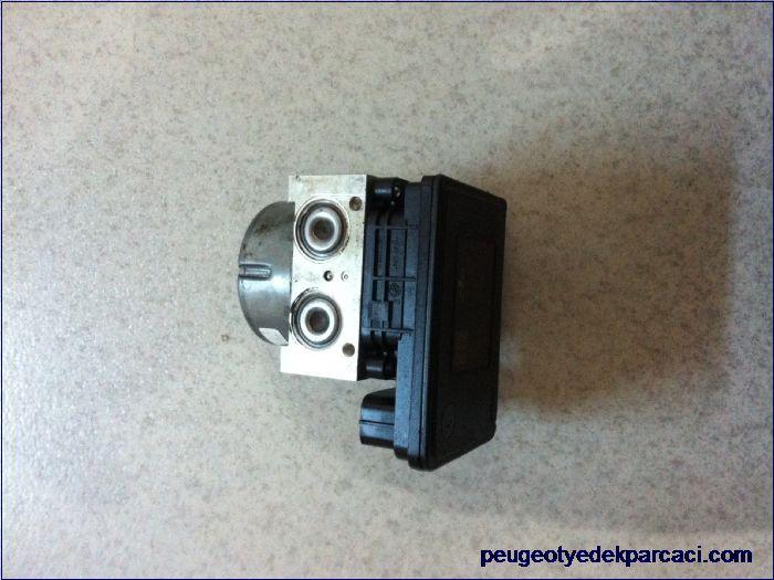 Peugeot 301 abs beyni 10.0915-1178.3