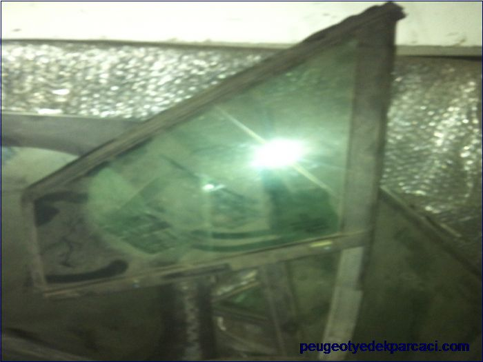 Peugeot 308 Kelebek camý sol ön