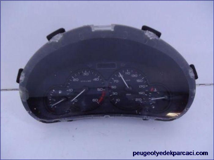 Peugeot partner gösterge saati 9656696000