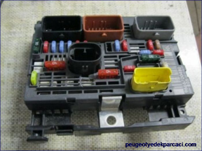 Peugeot Partner Tepee 1.6 HDI Bsm R05 9666700480
